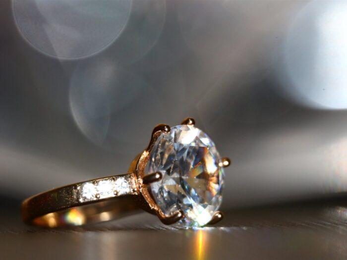 Toko Perhiasan Cincin Emas Online dan Offline Terpercaya